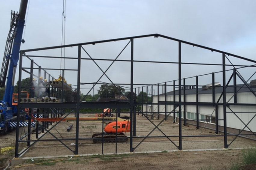 Staalconstructie Van De Nieuwbouw Staat!